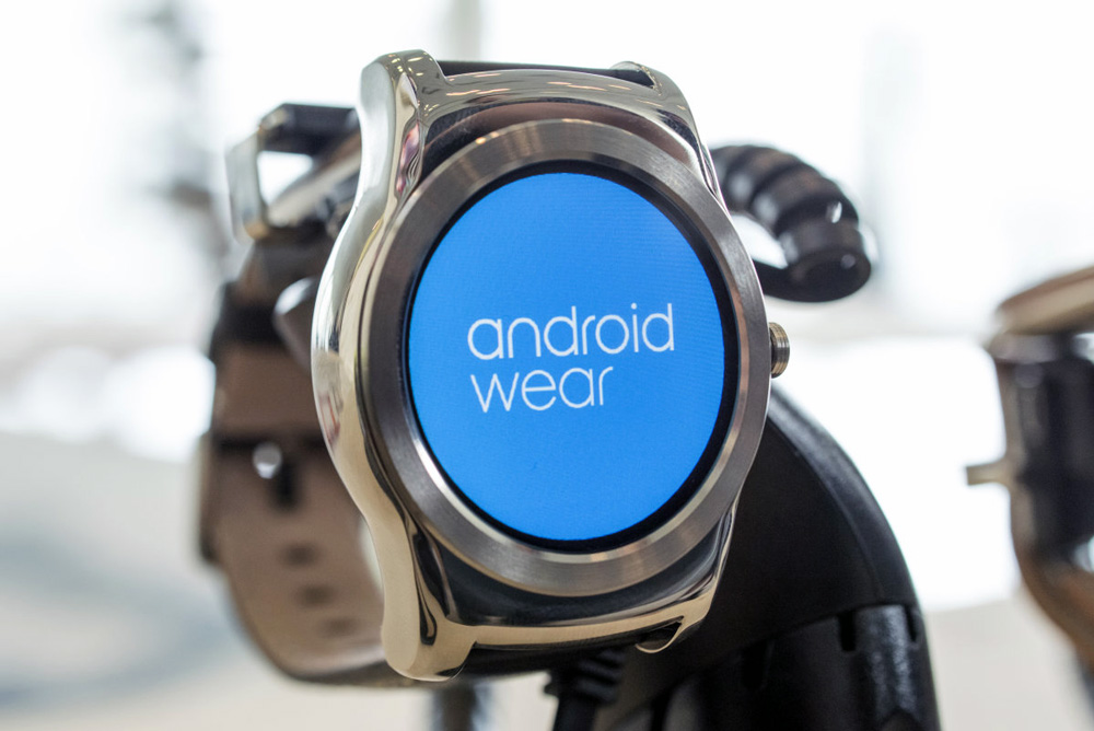 Alphabet Inc (NASDAQ:GOOG) Updates Android Wear, Integrates More Hands-Free Features For Users