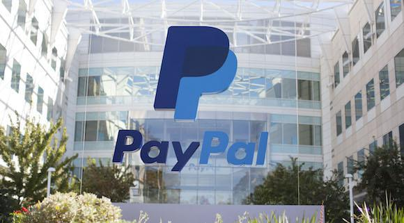 Paypal Holdings Inc (NASDAQ:PYPL) Enjoys Clear Lead Over Android And Apple Pay