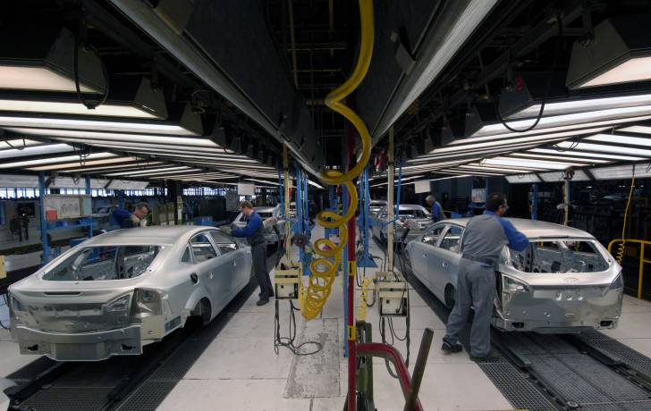 Canadian Autoworkers negotiating with Detroit's Automobile Manufacturers Ford Motor Companies (NYSE:...